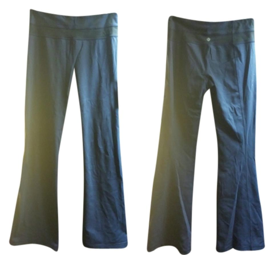 d5a9e09591 Lululemon Navy Blue and Black Groove Activewear Bottoms Size 6 (S ...