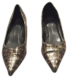 Chinese Laundry Silver Black Pumps