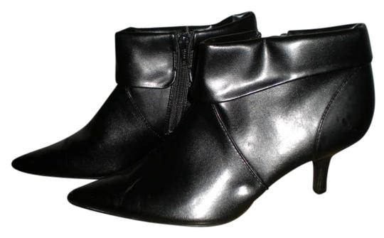 Preload https://item1.tradesy.com/images/fioni-black-ankle-bootsbooties-size-us-8-regular-m-b-346610-0-0.jpg?width=440&height=440