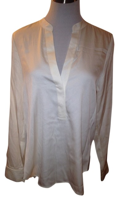 Preload https://item4.tradesy.com/images/vince-white-blouse-size-6-s-3466768-0-0.jpg?width=400&height=650