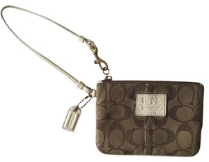 Coach Brown/ White Clutch