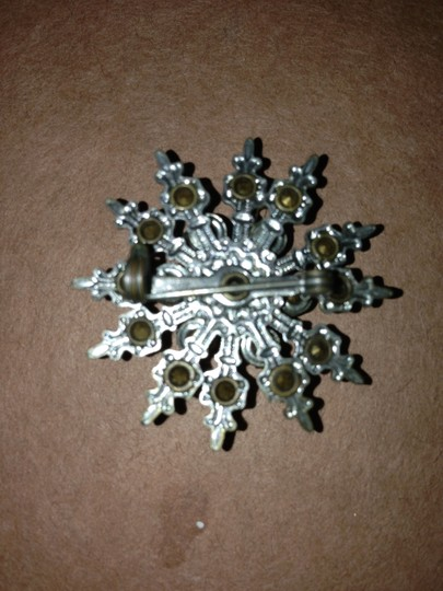 Other Vintage Snowflake Pin