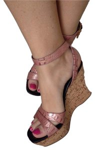 Donald J. Pliner embossed pink Italian leather with slight shine Wedges