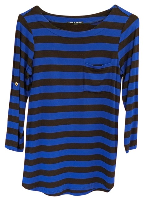 Preload https://item2.tradesy.com/images/cable-and-gauge-blue-and-black-sweaterpullover-size-2-xs-3471211-0-0.jpg?width=400&height=650