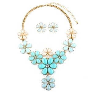 Mariell Mint Flower Power Statement Necklace Set 4335s-min-g