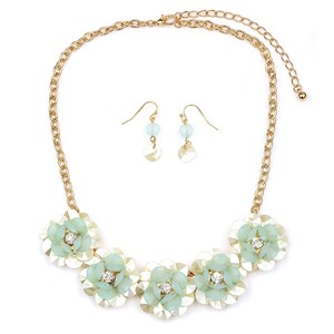 Mariell Pearlized Flower Necklace Set With Soft Mint Petals 4332s-mnt-g