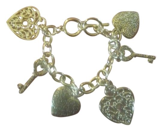 Other New ~ Hearts and Keys Charm Bracelet, Gold Tone