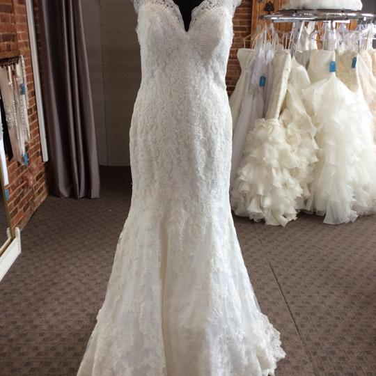 Mori Lee Ivory Net Fabric with Embroidered Appliques 2717 Feminine Wedding Dress Size 12 (L)