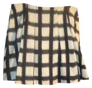 Liz Claiborne Skirt Cream and black