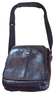 Ellington Leather Multi-compartments Cross Body Bag