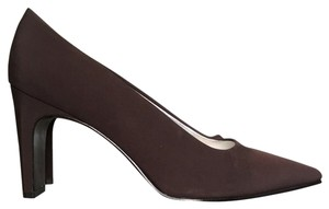 Nina Brown Pumps
