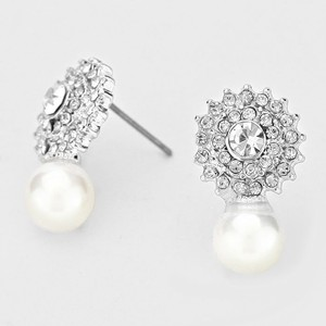 Elegantly Chic Crystals And Pearl Drop Stud Bridal Wedding Evening Earrings