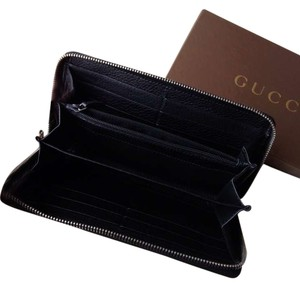 Gucci Gucci zip all round wallet