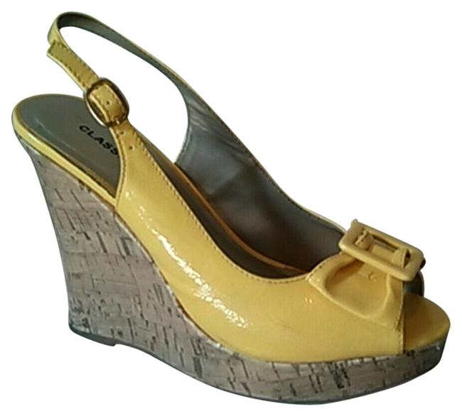 Item - Yellow Peep Toe Bow Sandals Wedges Size US 7