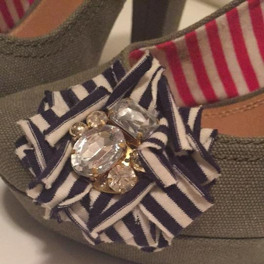 Gianni Bini Olive With Navy And White Accents Pumps