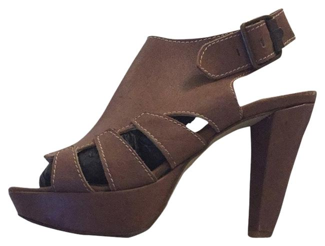 Item - Camel Leather Sandals Size EU 37 (Approx. US 7) Regular (M, B)