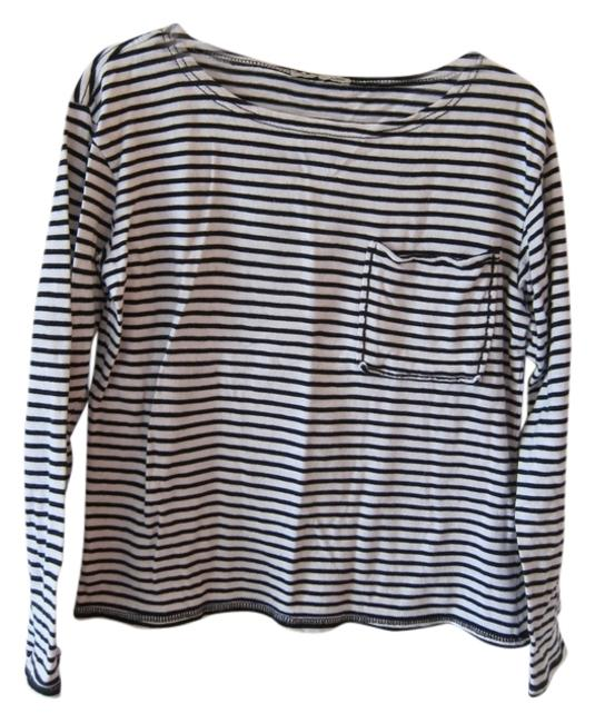 Preload https://item2.tradesy.com/images/zara-white-basic-stripe-comfy-sweaterpullover-size-4-s-3486016-0-0.jpg?width=400&height=650