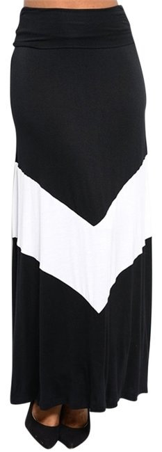 Preload https://item1.tradesy.com/images/other-maxi-skirt-black-and-white-3486100-0-0.jpg?width=400&height=650