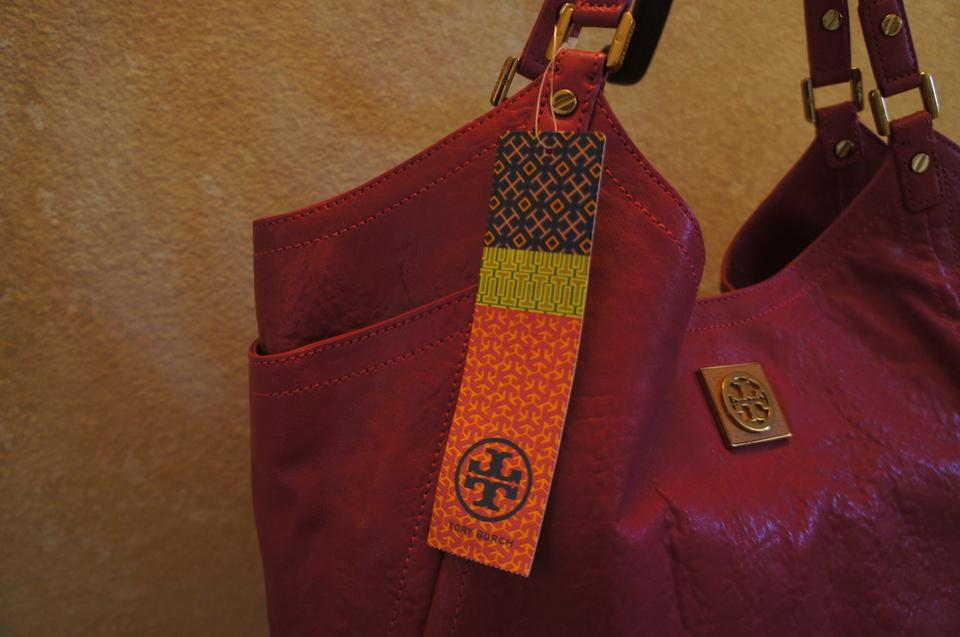 3430ef2eb14b Tory Burch Leather Large Calfskin Golden Hardware Tote in Royal Fuchsia  Image 9. 12345678910