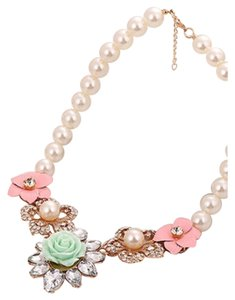 Stunning Pearl Floral Statement Necklace