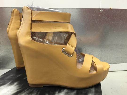Dolce Vita Leather Wedge New In Box NUDE Platforms