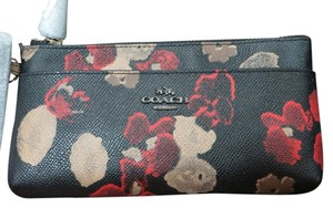 Coach Wristlet in BN/BLACK MULTI