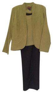 R&K Originals Olive pants suite, slimming style