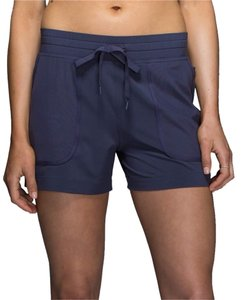 Lululemon Noir Short