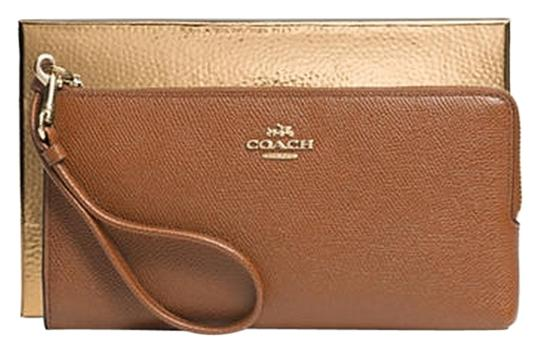 Preload https://item1.tradesy.com/images/coach-brown-phone-multi-function-boxed-wallet-3489175-0-0.jpg?width=440&height=440