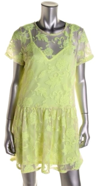 Preload https://item5.tradesy.com/images/bar-iii-yellow-floral-print-embroidered-key-hole-cocktail-dress-size-10-m-3491854-0-0.jpg?width=400&height=650