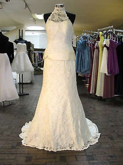Demetrios Ivory Lace 1332 (Mr15) Feminine Wedding Dress Size 12 (L)