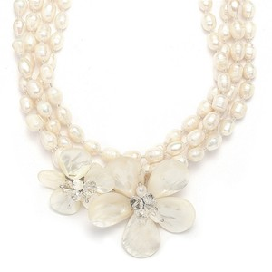 Mariell Exotic Freshwater Pearl Bridal Necklace With Flowers 3134n