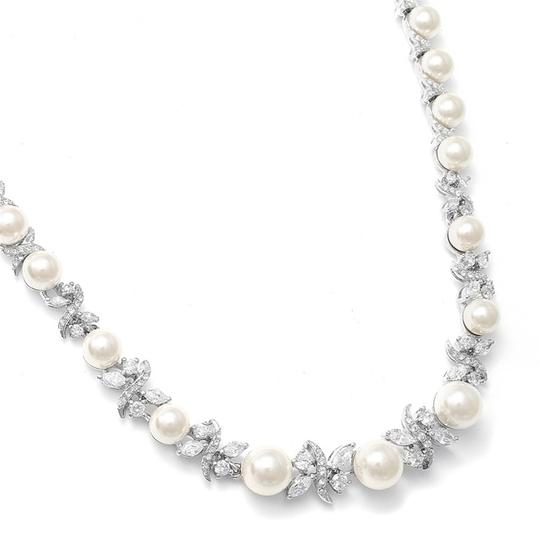 Preload https://img-static.tradesy.com/item/3493192/mariell-silverpearl-luxurious-and-cz-723n-necklace-0-0-540-540.jpg