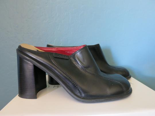 Tommy Hilfiger Mara Mara Chunky Heel Slip On Leather Stability Black Mules