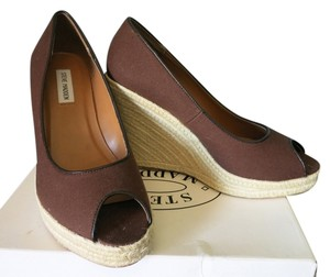 Steve Madden Peep Toe Straw Fabric Brown Wedges