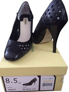 Max Studio Perforated Black with studs Pumps