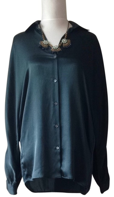 Preload https://item1.tradesy.com/images/vince-forrest-green-blouse-size-2-xs-3497110-0-0.jpg?width=400&height=650