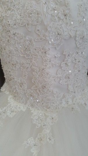 Maggie Sottero Ivory Beaded Embroidered Lace On A Tulle Velma - 4mw891 Wedding Dress Size 10 (M)