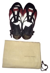 Bottega Veneta Patent Leather Black/Burgandy Sandals