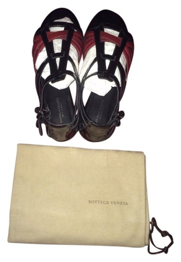 Preload https://item2.tradesy.com/images/bottega-veneta-patent-leather-blackburgandy-gladiator-sandals-size-us-6-wide-c-d-3499156-0-0.jpg?width=440&height=440