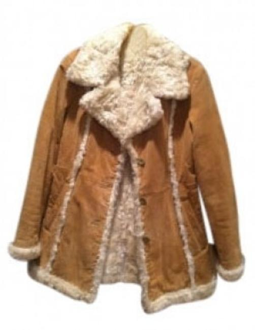Preload https://img-static.tradesy.com/item/34993/wilsons-leather-tan-with-white-fleece-trim-suede-leather-jacket-size-6-s-0-0-650-650.jpg