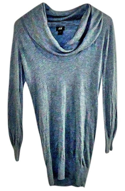 Preload https://item4.tradesy.com/images/h-and-m-grey-sweaterpullover-size-6-s-3499333-0-0.jpg?width=400&height=650