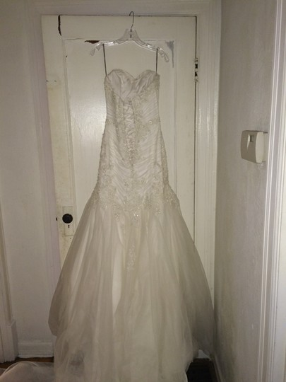 Maggie Sottero Ivory Anniston Feminine Wedding Dress Size 6 (S) Image 2
