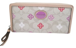 Coach PEYTON LEATHER CLOVER LEAF ACCORDION WALLET