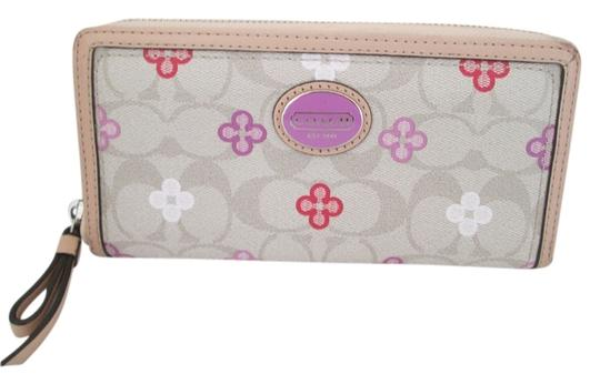 Preload https://item4.tradesy.com/images/coach-pink-peyton-leather-clover-leaf-accordion-wallet-3501838-0-0.jpg?width=440&height=440