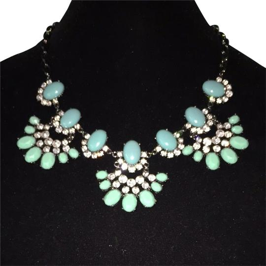 Auze Green Treasures and Black Chains