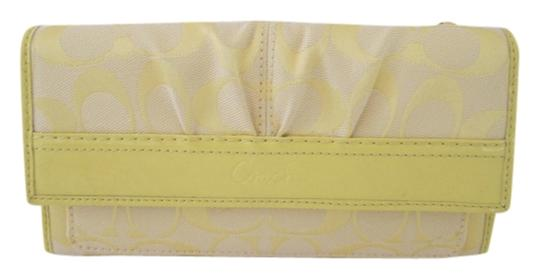 Coach SIGNATURE C TRIFOLD WALLET YELLOW