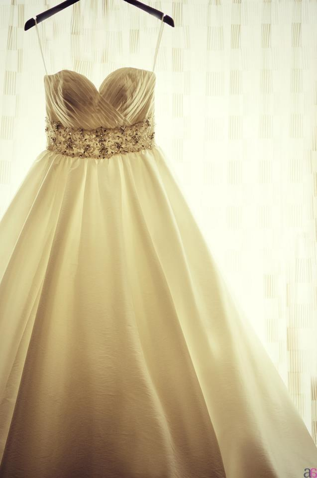 Mori lee ivory luxe tafetta 4963 with crystal beaded for Wedding dress with buttons all the way down