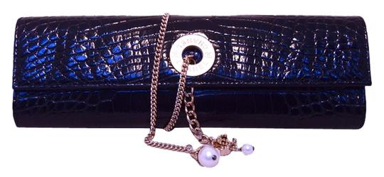 Preload https://item3.tradesy.com/images/chanel-clutch-with-chain-wrap-and-pearl-detail-black-alligator-clutch-3505747-0-0.jpg?width=440&height=440