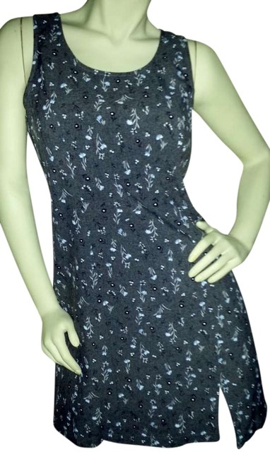 Preload https://item1.tradesy.com/images/no-boundaries-gray-with-blue-and-black-flowers-sleeveless-sheath-above-knee-short-casual-dress-size--350855-0-0.jpg?width=400&height=650